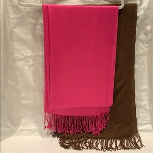 2 large scarfs fuschia and Brown